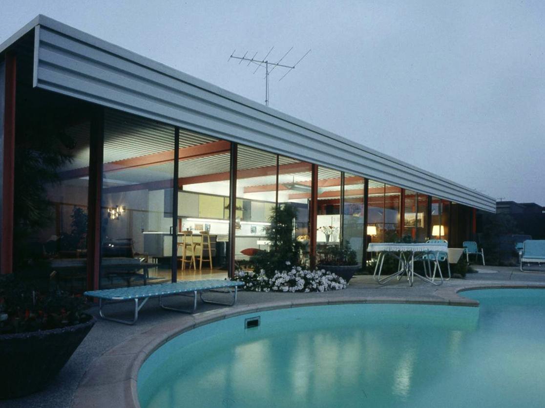 Life-Joseph Eichler X-100-exterior